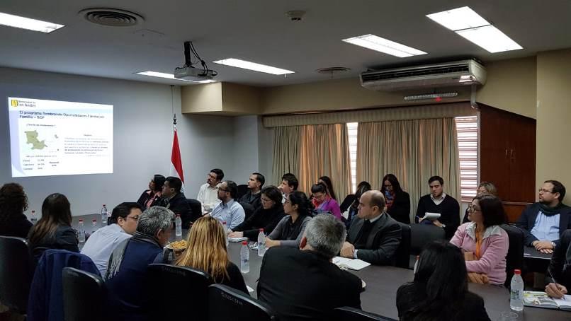 Presentación de resultados del programa Sembrando Oportunidades Familia por Familia en Paraguay.
